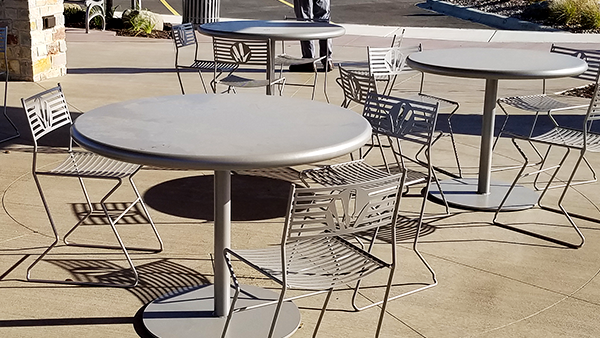 Outdoor Cafe Tables and Chairs